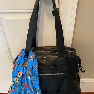Lululemon Sweat & Go Bag - Black